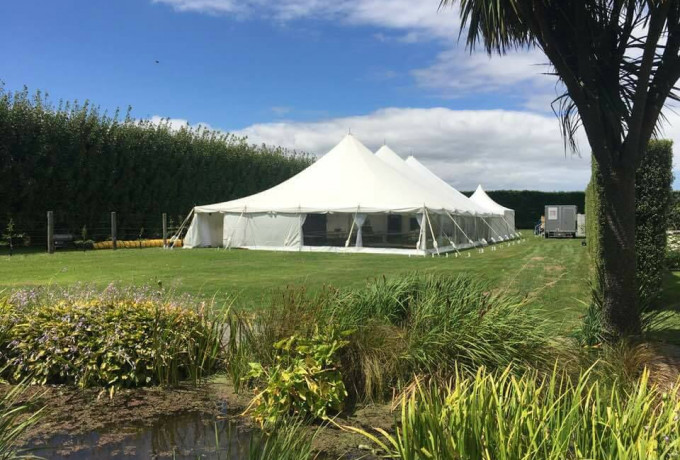 Outdoor Venue with established gardens. Only 30 mins from Christchurch photo 0