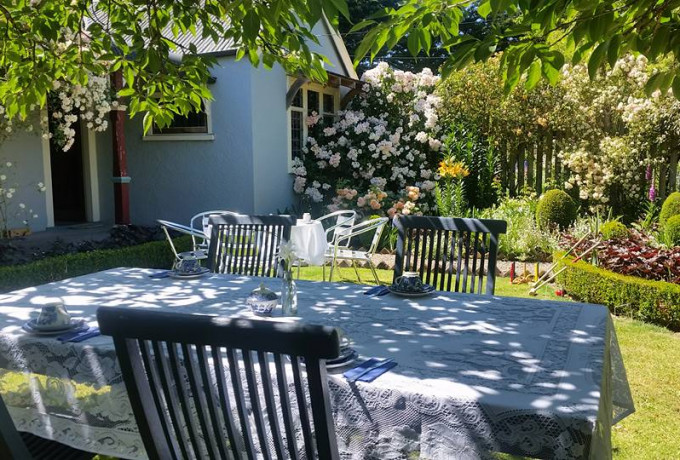 Outdoor Venue with established gardens. Only 30 mins from Christchurch photo 4
