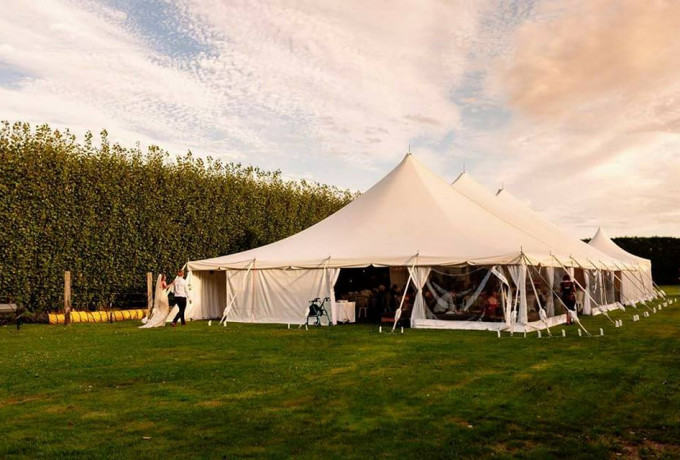 Outdoor Venue with established gardens. Only 30 mins from Christchurch photo 6