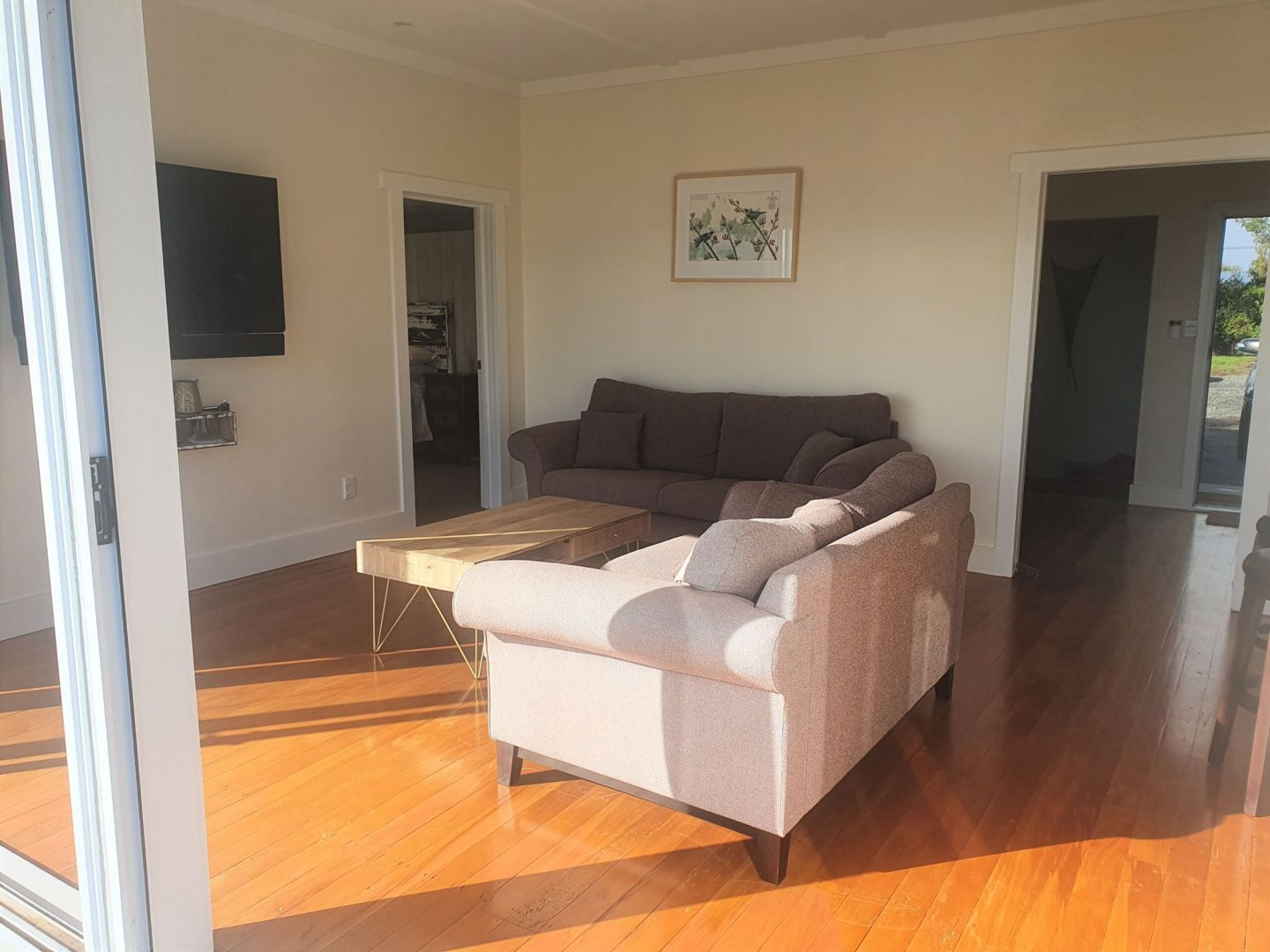 REMOVAL, ONE BEDDIE, AUCKLAND photo 8