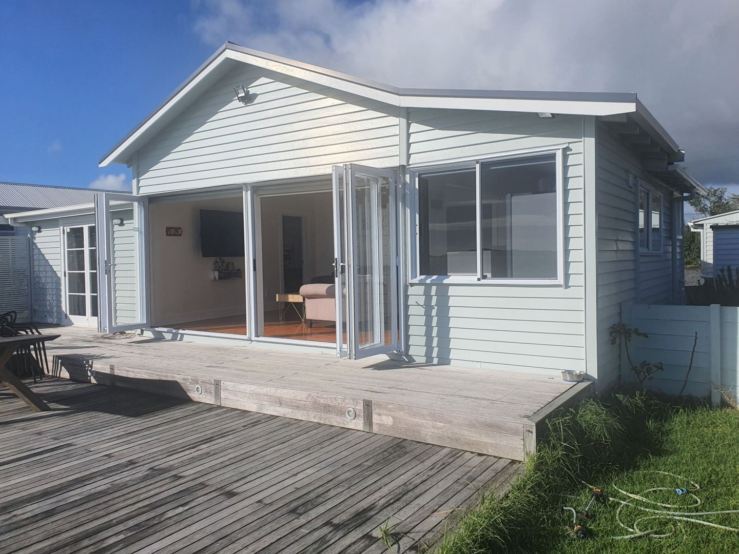 REMOVAL, ONE BEDDIE, AUCKLAND photo 2