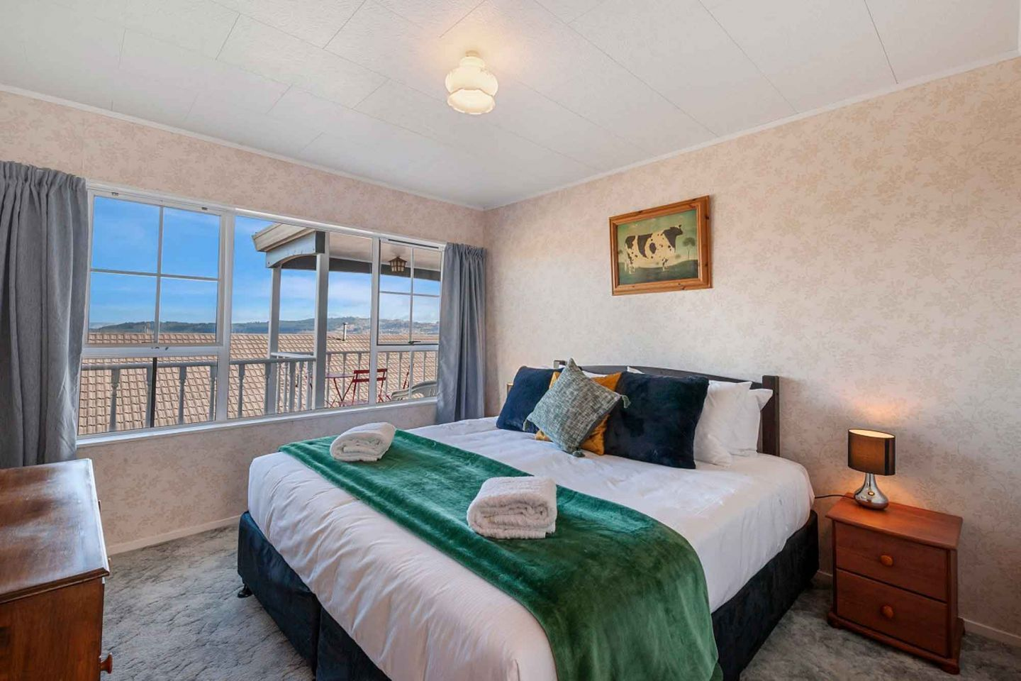 Large Family Holiday Homes in Taupo photo 2