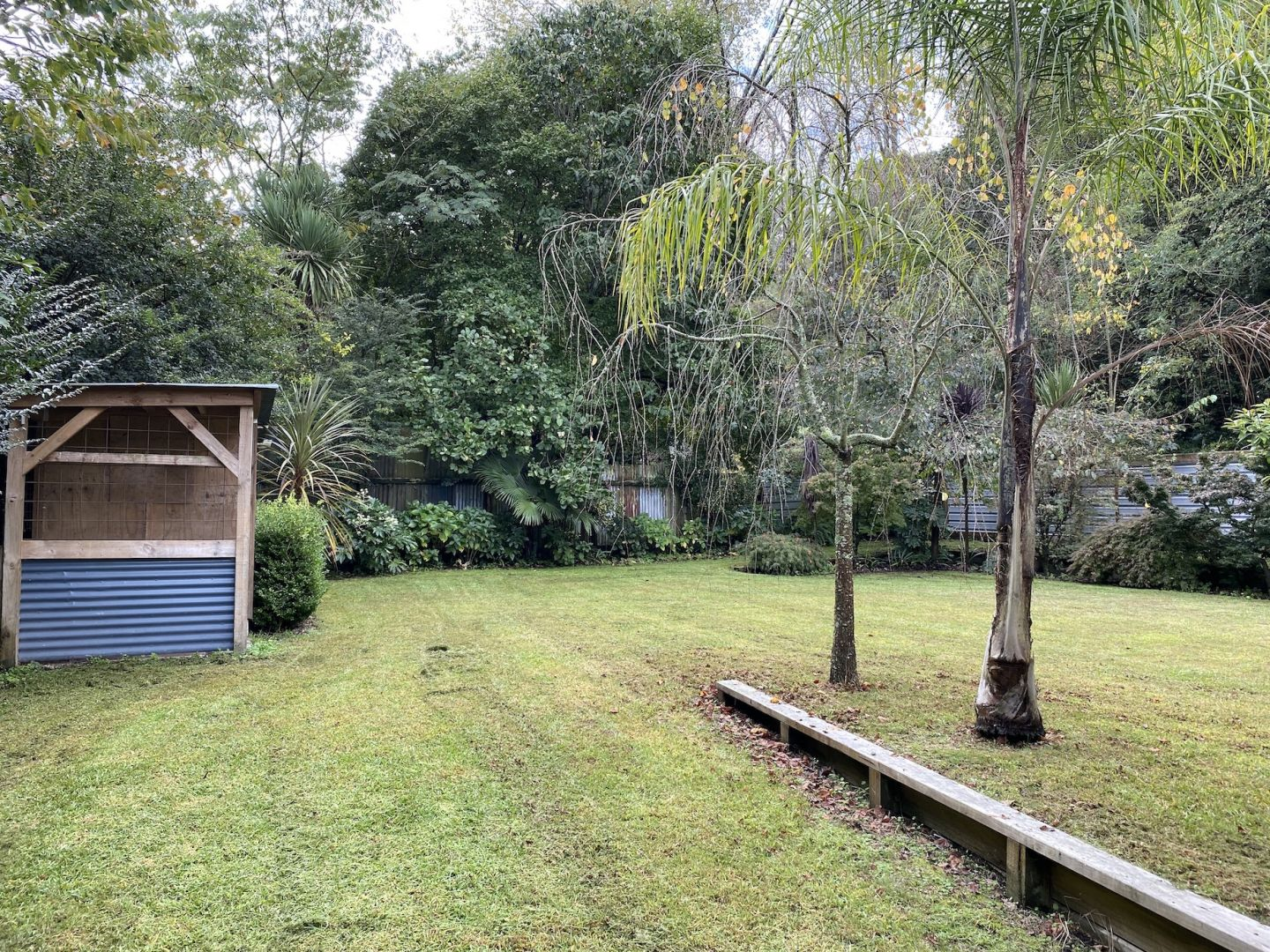 Residential section/parking space in small BOP Town photo 1