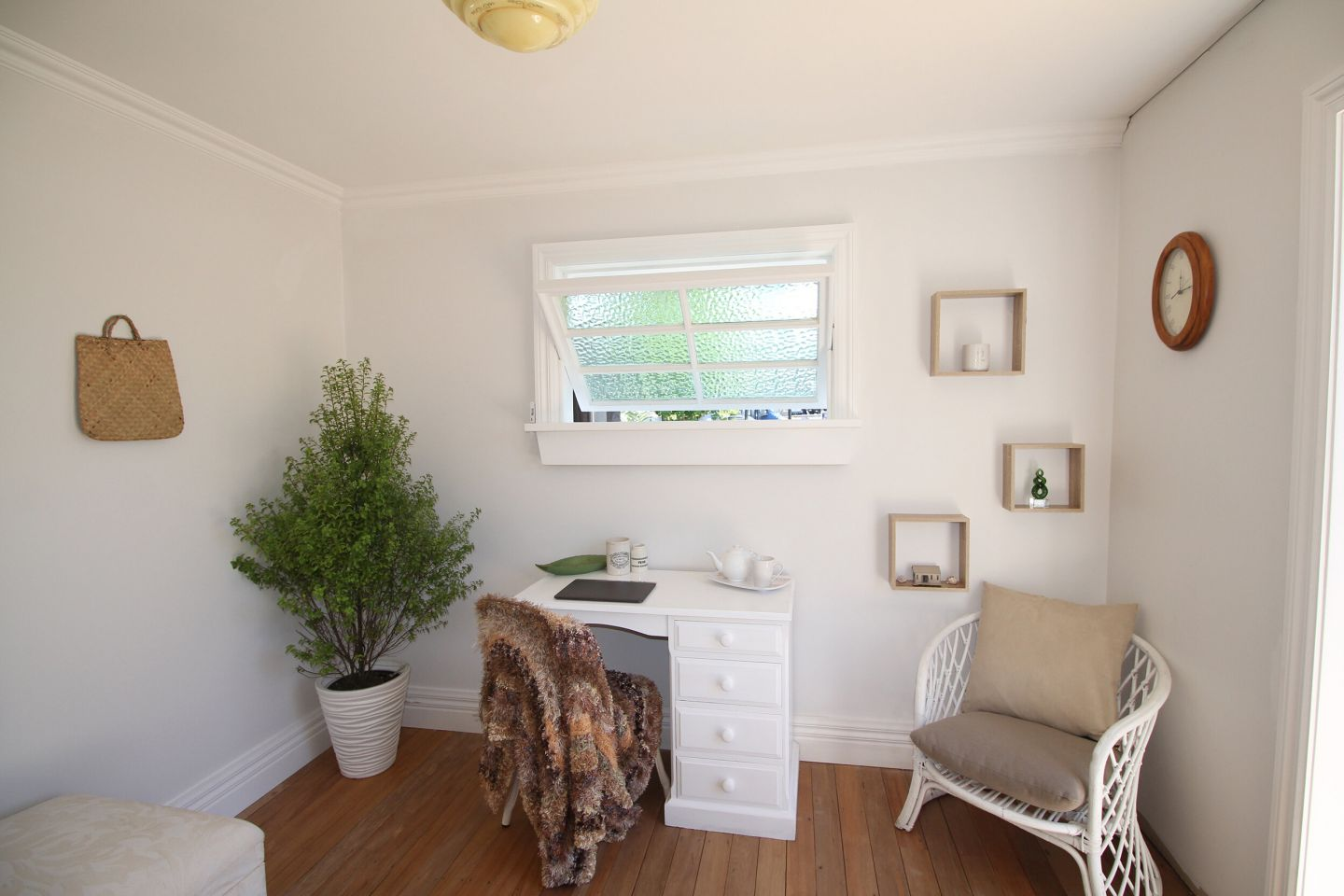 10m2 Tiny Re Fab Cabins For Sale photo 4