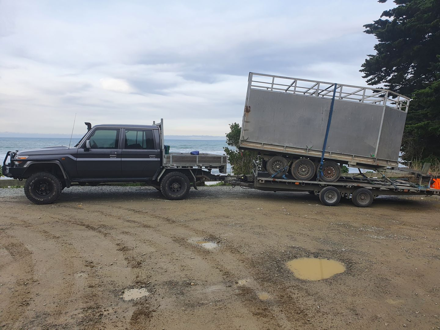 Tiny Home moving : Ute and towball or trailer photo 0